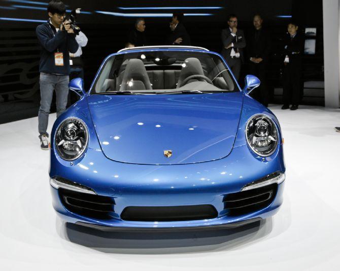 2014-porsche-911-targa-front-end