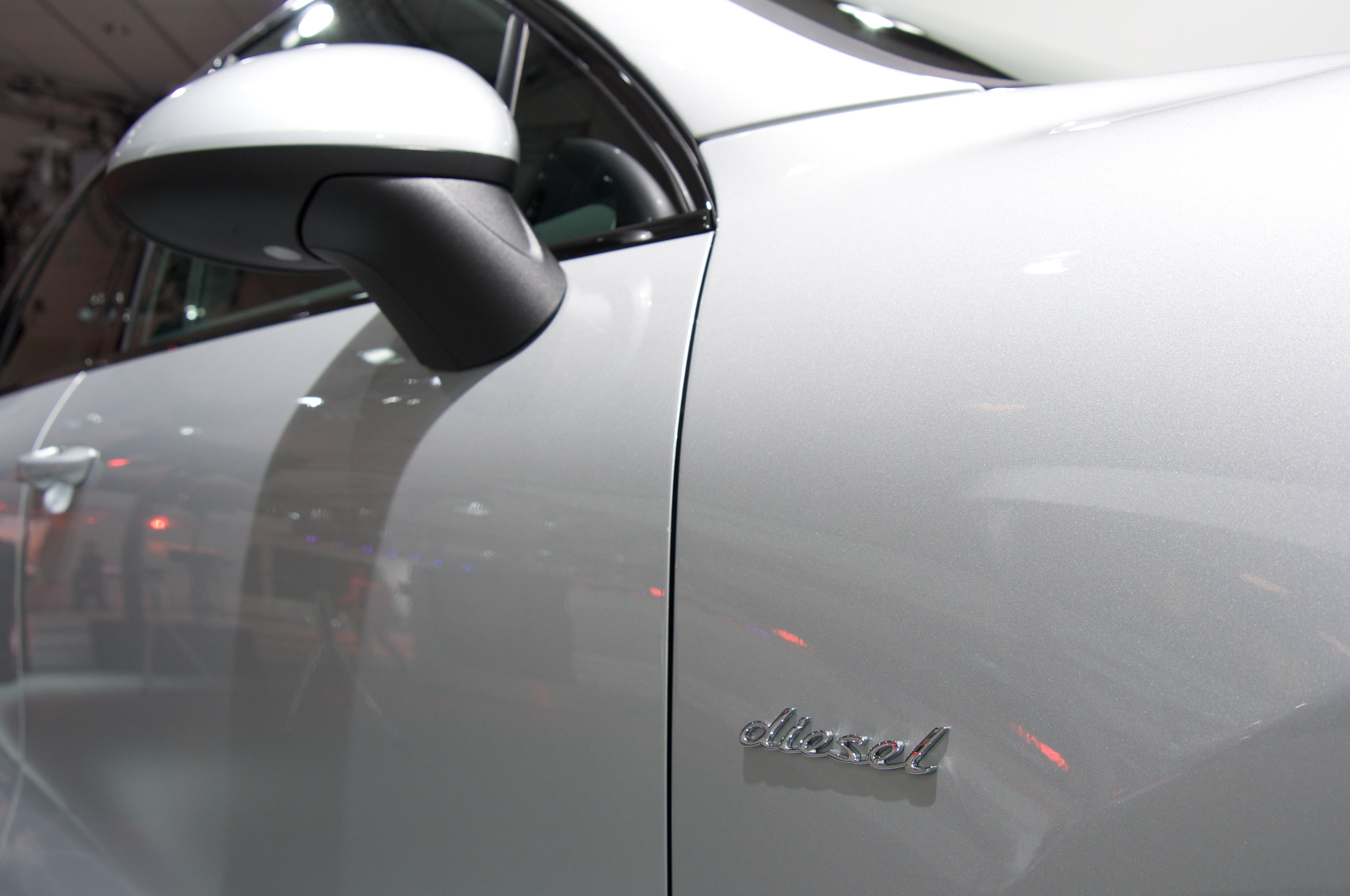 2012-porsche-cayenne-diesel-2012-los-angeles-auto-show-by-stevelyon_01