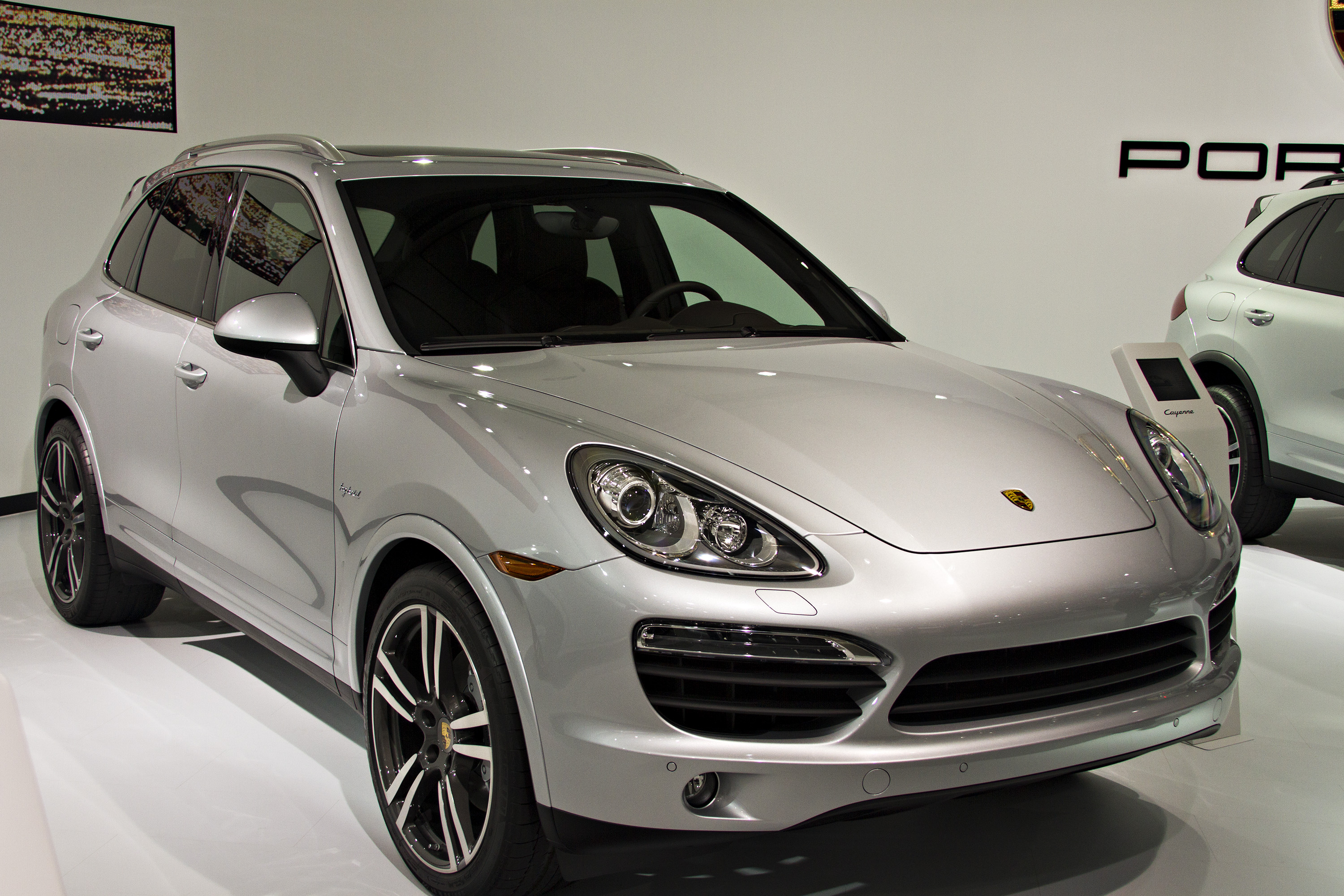 2012-porsche-cayenne-hybrid-los-angeles-auto-show-by-melissa-hincha-ownby