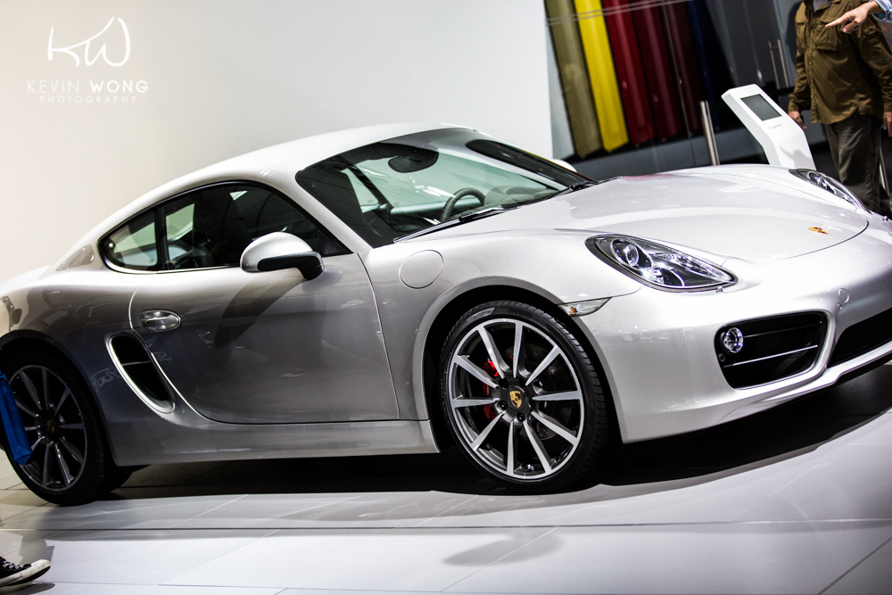 2013-porsche-cayman-silver-2012-los-angeles-auto-show-by-kevin-wong-photography