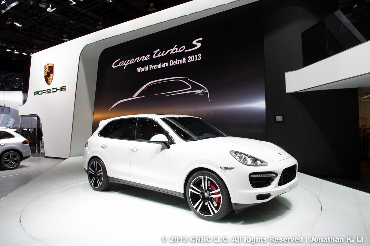 2013-porsche-cayenne-turbo-s-at-naias-2013-by-cnbc-com_