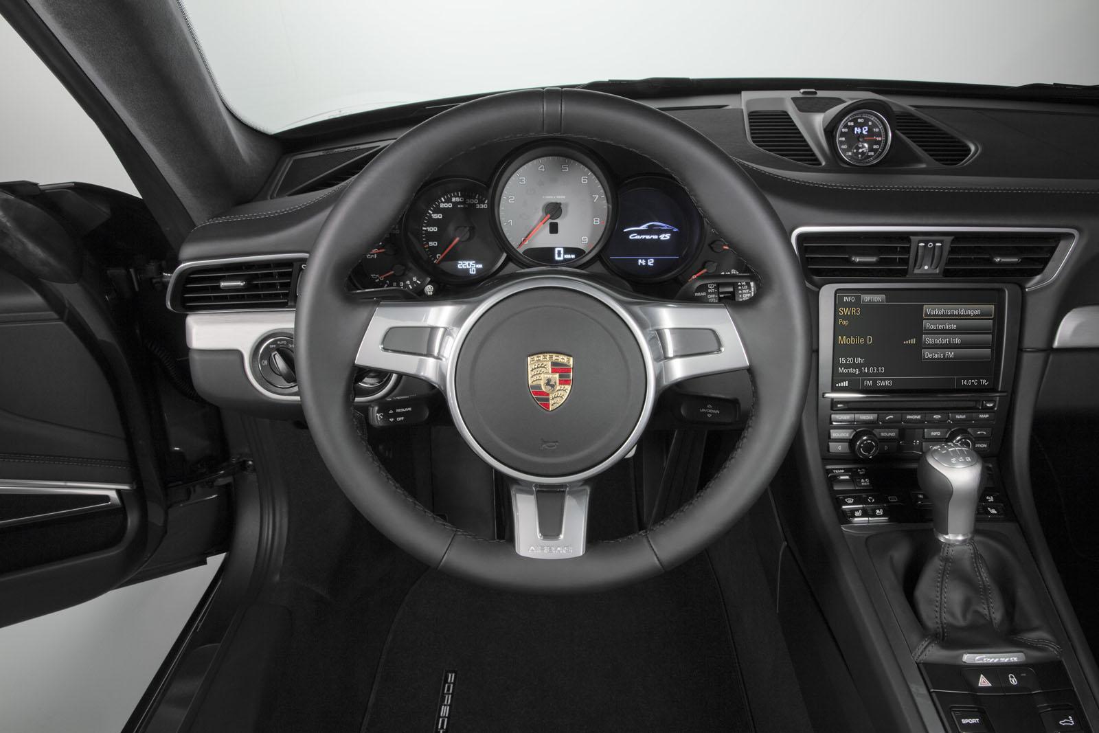 the-50th-anniversary-of-the-new-porsche-911-interior