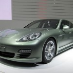 2011 Geneva Motor Show Porsche Panamera Hybrid Front angle view