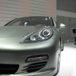 2011 Geneva Motor Show Porsche Panamera Hybrid Front view