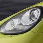 Peridot Metallic 2011 Porsche Cayman R Front light