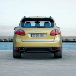 Porsche Cayenne 2011 1600x1200 wallpaper Rear view
