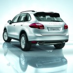 Porsche Cayenne 2011 1600x1200 wallpaper Rear angle view