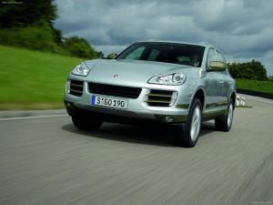 Classic Silver Metallic Porsche Cayenne Hybrid 2008 1600x1200 wallpaper Front angle view