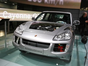 Classic Silver Metallic Porsche Cayenne Hybrid 2008 1600x1200 wallpaper Front view