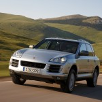 Classic Silver Porsche Cayenne Turbo S 2009 1600x1200 wallpaper Front angle view