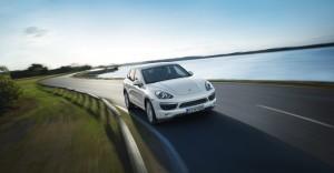 Sand White Porsche Cayenne S Hybrid 2011 3000x1560 wallpaper Front angle view