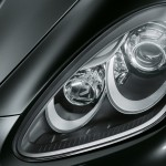 Jet Black Metallic Porsche Cayenne Turbo 2011 3000x1560 wallpaper Head light
