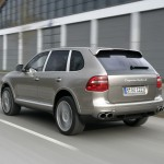 Porsche Cayenne Turbo S 2009 1600x1200 wallpaper Rear angle view