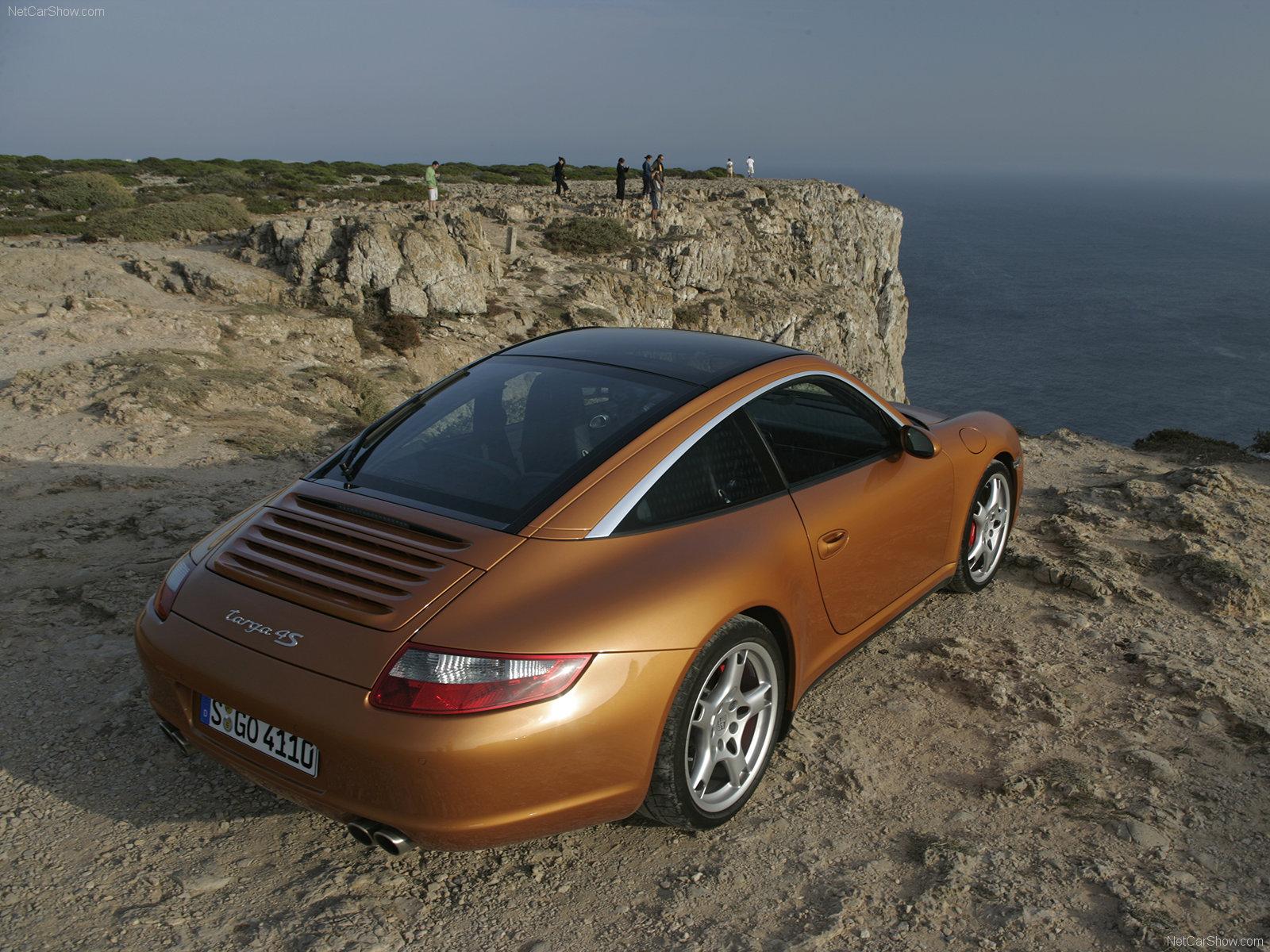 2007 Gold Porsche 911 Targa 4s Wallpapers