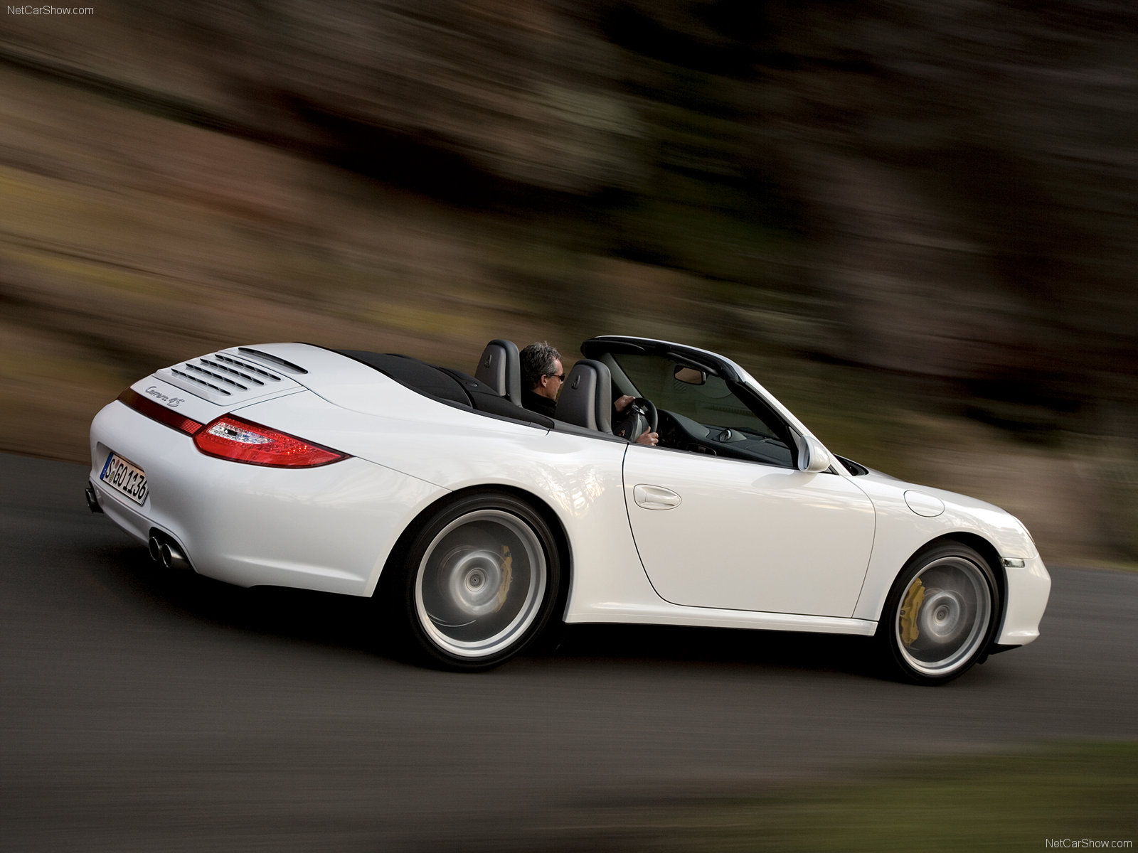 2009 White Porsche 911 Carrera 4 Cabriolet Wallpapers
