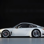 2010 White Porsche 911 GT3 R Wallpaper Side view