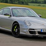 Limited edition: Porsche 911 Turbo S Edition 918 Spyder Front angle view