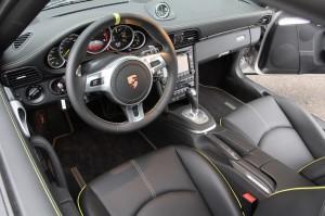 Limited edition: Porsche 911 Turbo S Edition 918 Spyder Interior