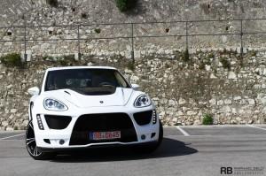 Porsche tuning: Gemballa Porsche Cayenne Tornado GTS 750 Front angle view