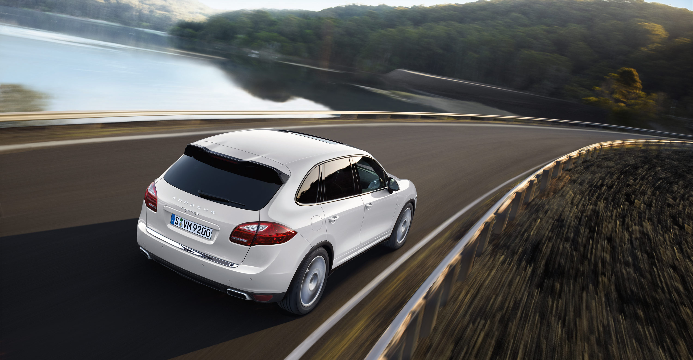 Dr Car: Porsche Review: 2011 Porsche Cayenne S Hybrid Tiptronic