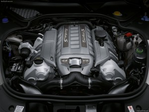 Porsche Panamera Turbo S Engine