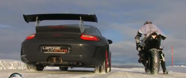 Porsche 911 GT3 RS vs YAMAHA 1000 R1