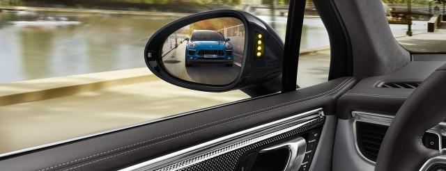 2014 Porsche Macan New Compact SUV_16